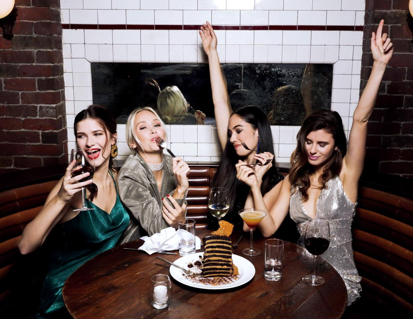 Models eating at Lavo